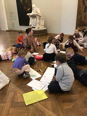 Рисование в музее для детей