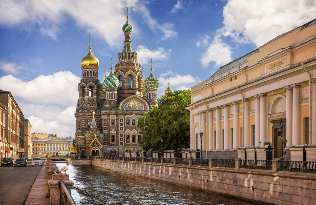 Индивидуальная обзорная экскурсия по Санкт-Петербургу на автомобиле